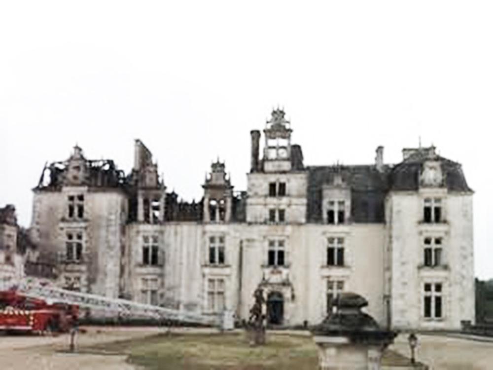 01 château brûlé bis.jpg