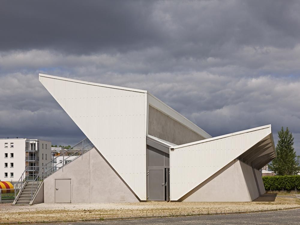 BDT Architectes | Vestiaire du Stade 01| J-C GARCIA Photographe.jpg