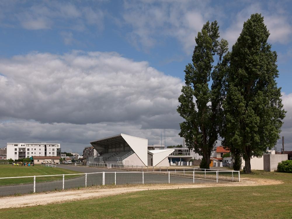 BDT Architectes | Vestiaire du Stade 03| J-C GARCIA J-C GARCIA Photographe.jpg